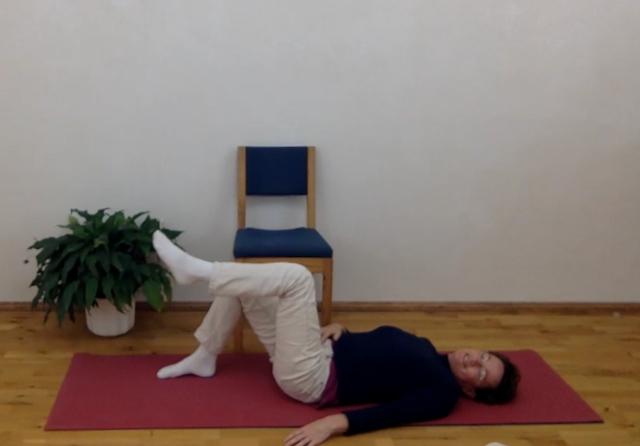 Beckenboden-Übung im Liegen