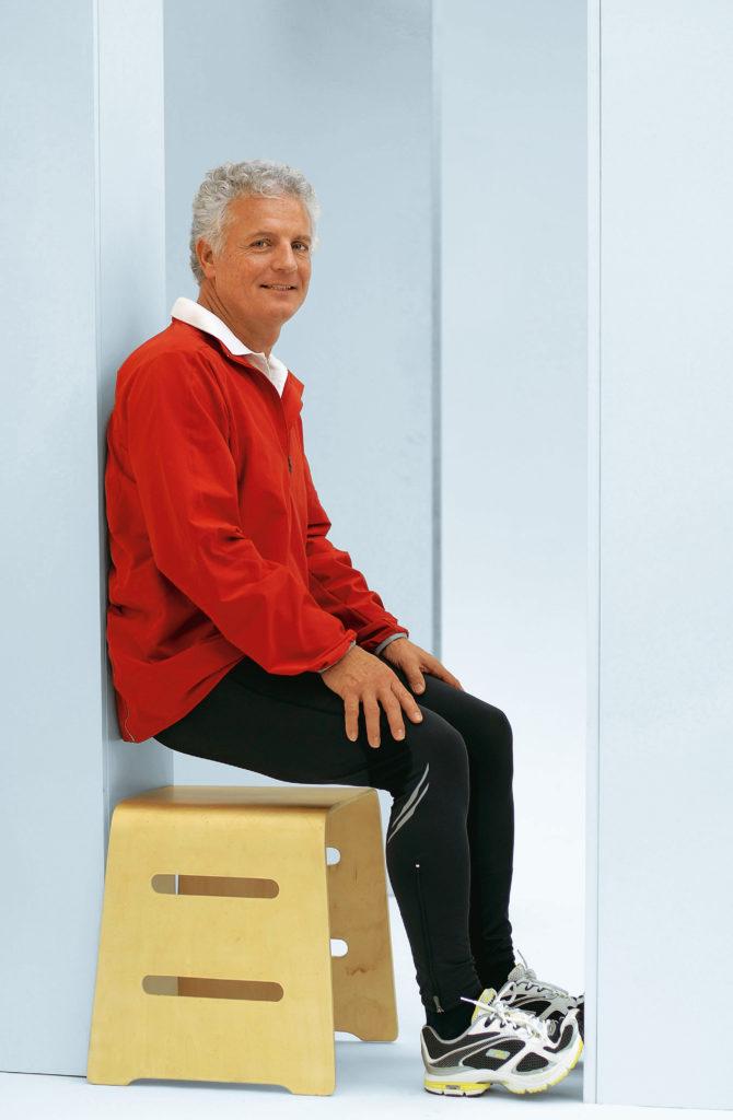 Übung für den Beckenboden des Mannes im Sitzen
